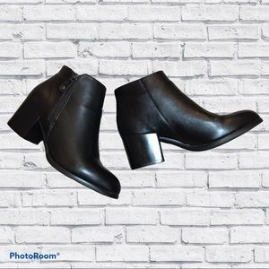 JustFab Black Ankle Boots Chunky Heel 8.5